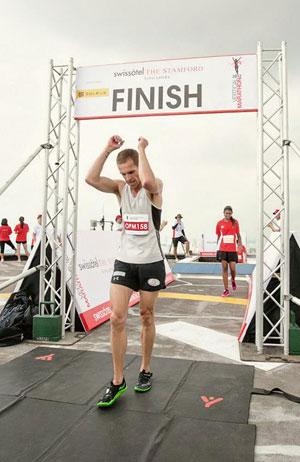 Australian Darren Wilson, 2102 Singapore Vertical Marathon winner