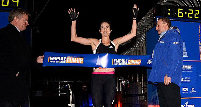 Suzy Walsham wins the 2013 Empire State Building Run-Up. (c)EMMANUEL DUNAND/AFP/Getty Images